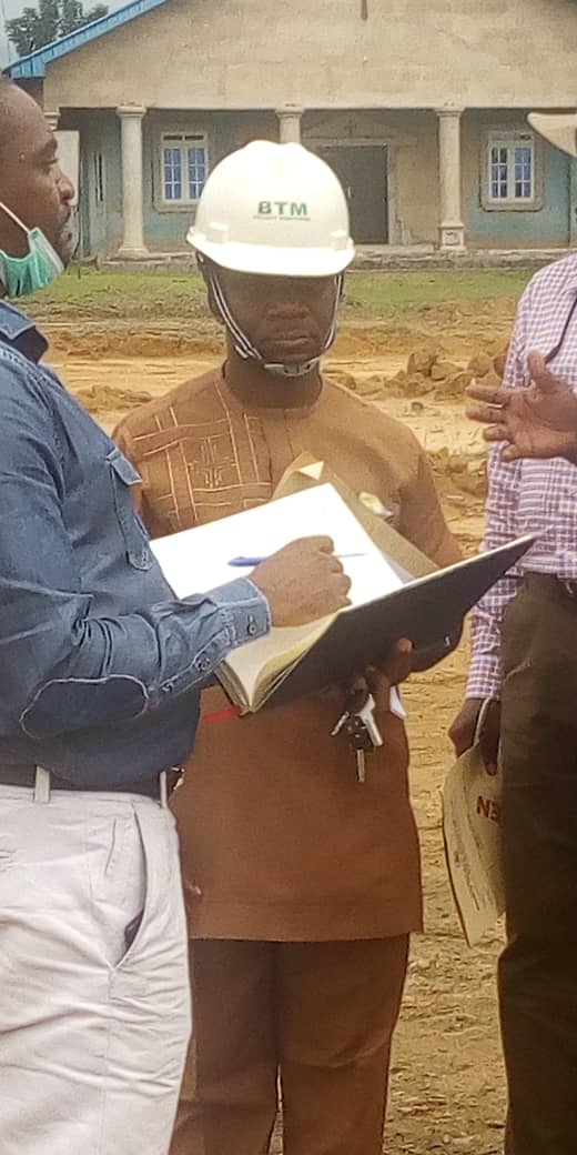 AKWA IBOM STATE PROJECT MONITORING TEAM INSPECTS ONGOING ROAD PROJECTS IN ESIT EKET(PHOTOS)