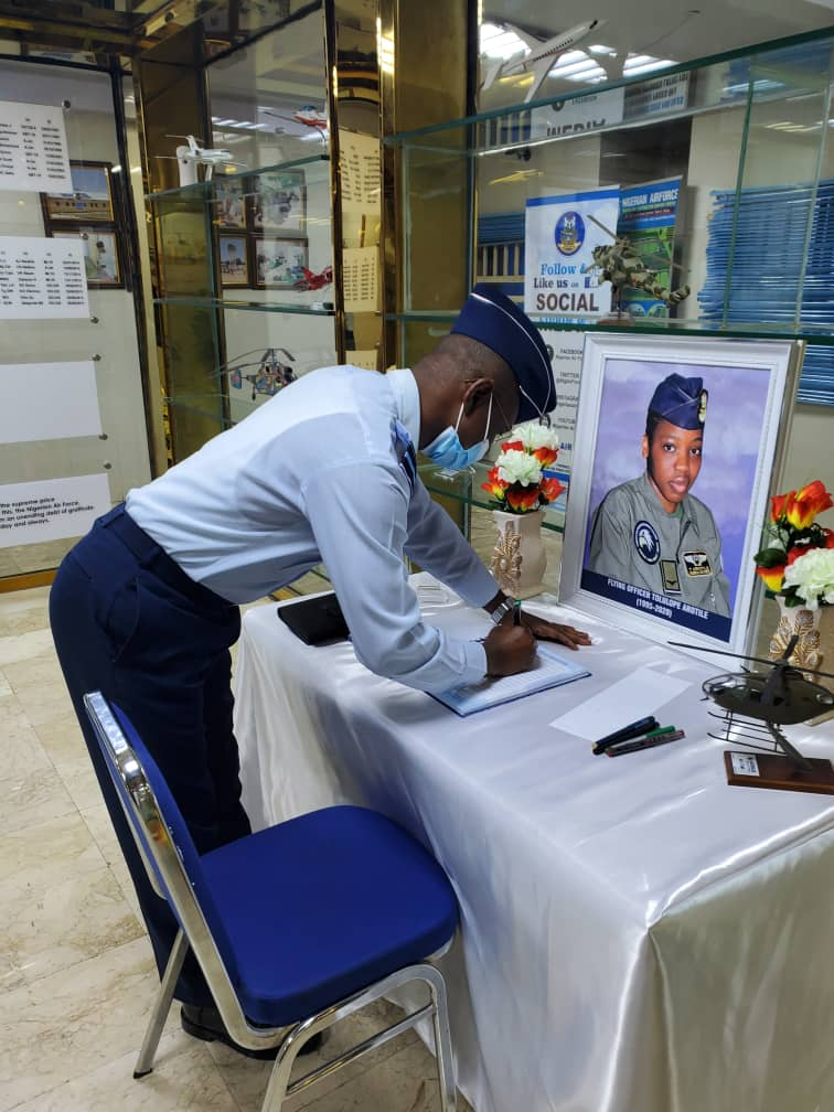 THE CHIEF OF DEFENSE INTELLIGENCE AGENCY OF NIGERIA PAYS TRIBUTE TO THE DECEASED NAF Pilot.